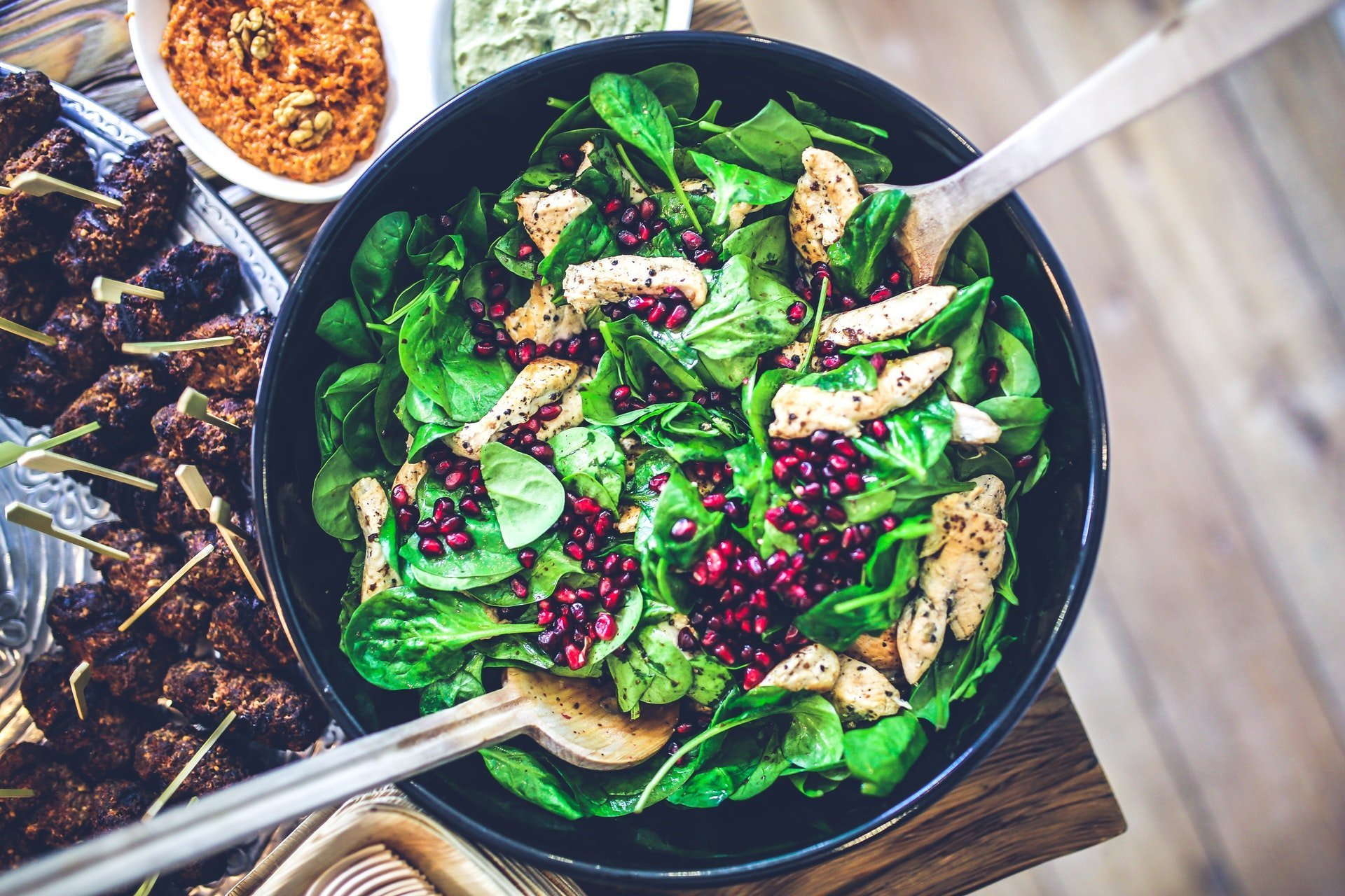 green salad and chicken
